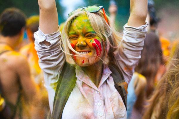 Стиль жизни: Фестиваль красок Холи в «Лужниках» – фото №2