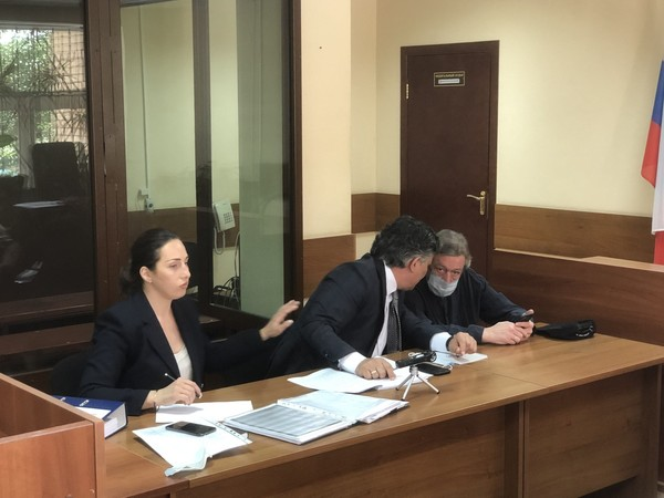 Адвокат Александр Добровинский: «Завтра все убедятся, что за рулем был Михаил Ефремов»