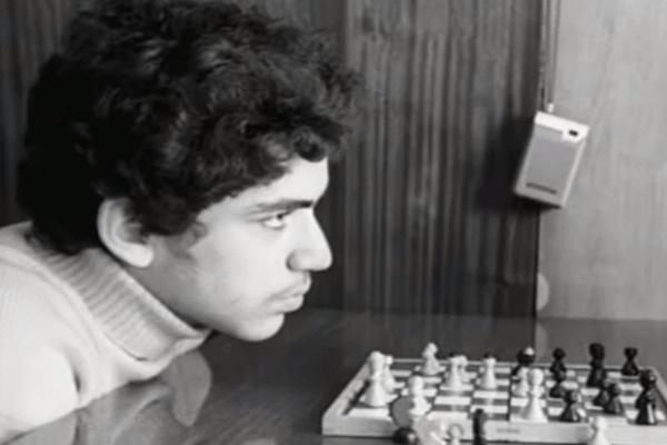 В 5 лет Гарри подсказал родителям решение шахматной задачи
