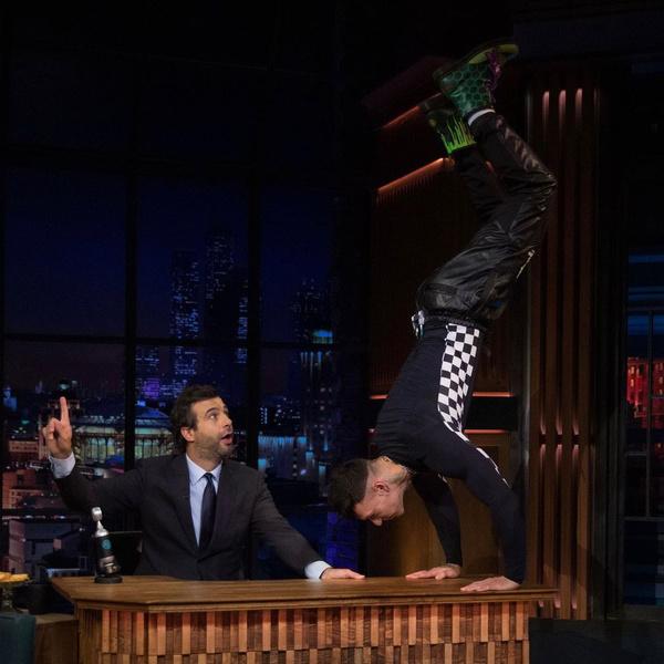На шоу «Вечерний Ургант» певец устроил настоящий перформанс