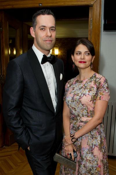 Михаил несколько лет женат на Лили