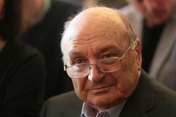 Жванецкий ситуацию с Хазановым пока не комментирует