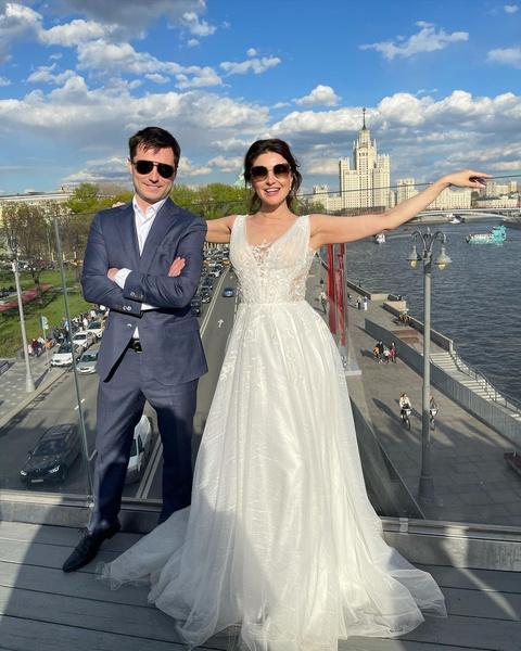 В мае Макеева вышла замуж за Романа Малкова.