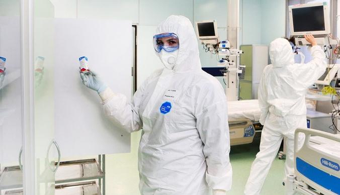 «Смотрим результаты томографии – а там легких нет!»: врач Филатовской больницы о больных коронавирусом