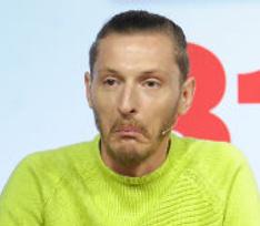 Неизвестные ограбили квартиру шоумена Павла Воли