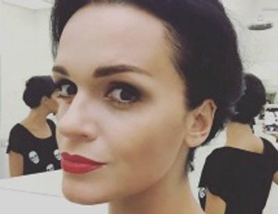 Певица Слава показала 16-летнюю дочь в бикини