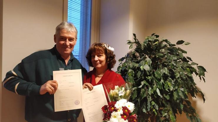 Марина и ее супруг закрепили брак в Финляндии. Этот день мог бы не состояться, если бы наш герой не спас женщину