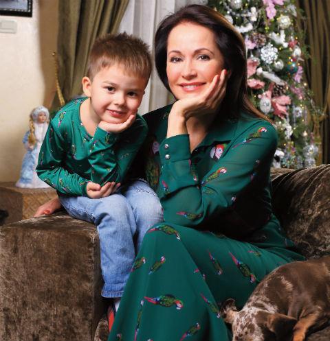 Ольга с мужем бизнесменом Николаем Разгуляевым воспитывают сына Витю, еще у актрисы есть 18-летняя дочь Таня от первого брака