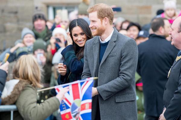 Союз принца Гарри с Меган Маркл стал для Елизаветы II серьезным испытанием