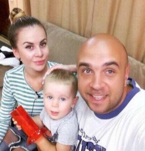Ольга Ветер с сыном Мишей и Глебом Жемчуговым