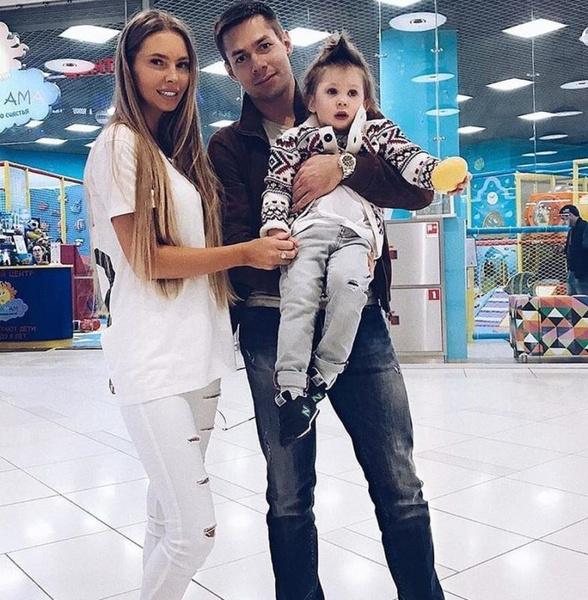Стас Пьеха и Наталия Горчакова с сыном