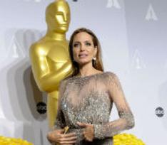 Анджелина Джоли заморозит яйцеклетки