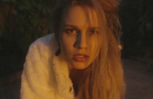 Дарья Мельникова стала героиней экстравагантного клипа