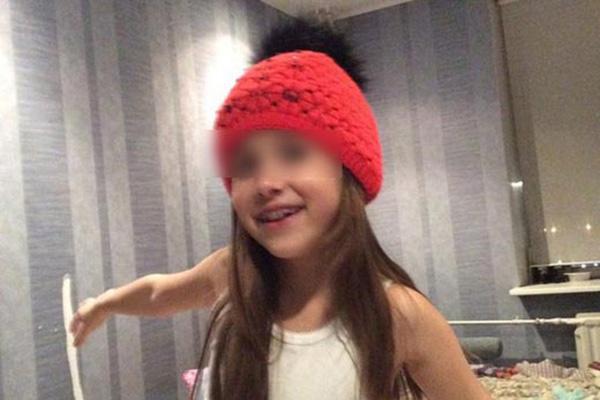 «С Нюсей все хорошо! Она счастлива», - таким комментарием сопроводил снимки с дочкой Алексей Панин