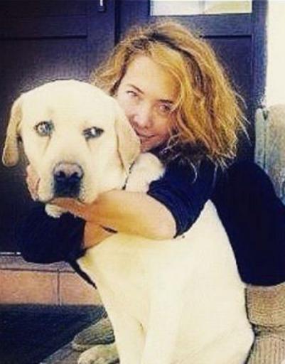 Певица с любимым псом Улей