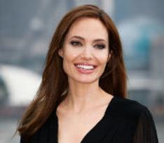 Личный наркодилер Анджелины Джоли раскрыл неприятные подробности из ее прошлого