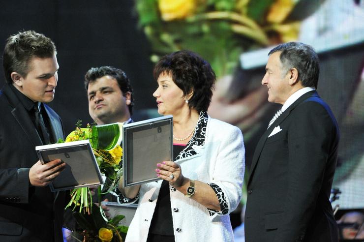 В память о возлюбленном Синявская проводит конкурс вокалистов имени Муслима Магомаева