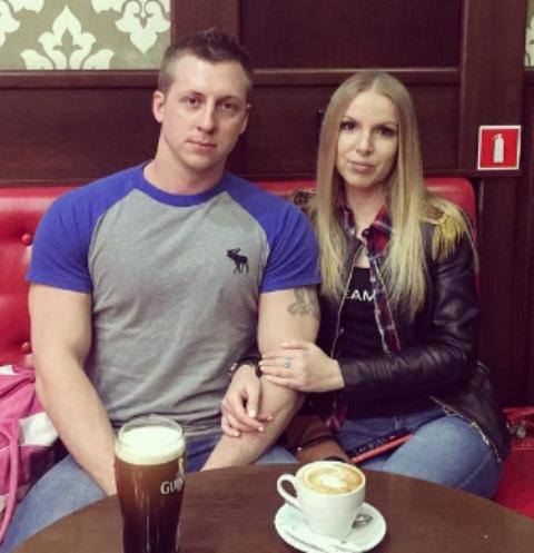 Евгений Руднев с возлюбленной Еленой