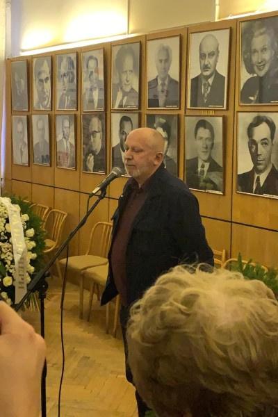 Сергей Новожилов прочел речь в память об Ирине Цывиной