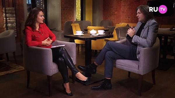 Дмитрий Маликов беседует с Еленой Север