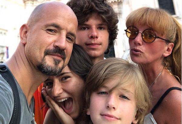 Дружинин с семьей