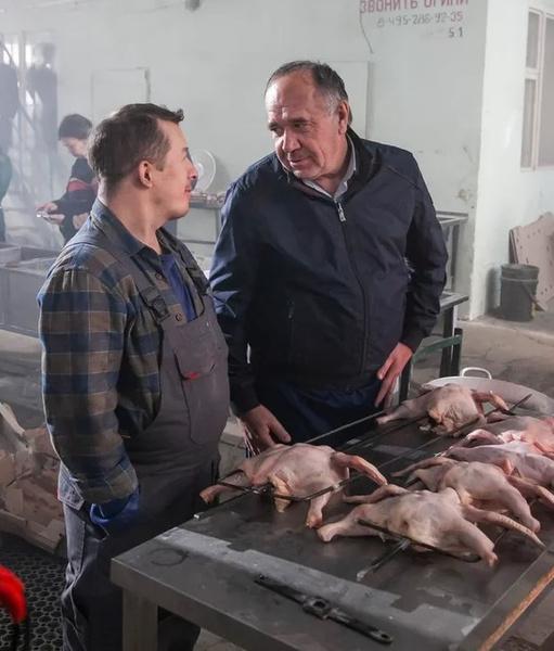 Юргену приходится работать на подпольном заводе