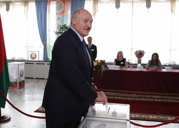 Протесты, задержание российских журналистов и отключение Интернета: картина после выборов в Беларуси