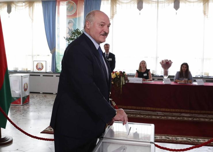 Лукашенко назвал выборы праздником