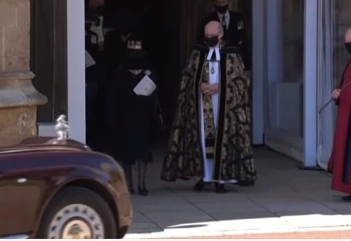 Королеву с похорон увез автомобиль «Бентли»