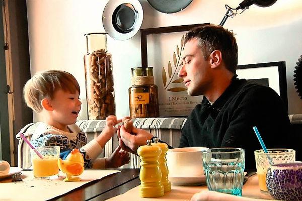 Дмитрий против общения сына с родственниками скончавшейся супруги