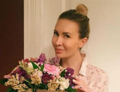 Элина Камирен подготовила фигуру к лету