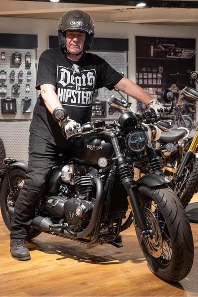 Журналист умер от разрыва аорты за рулем любимого мотоцикла