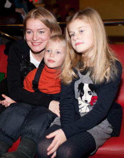 Виктория Толстоганова с детьми