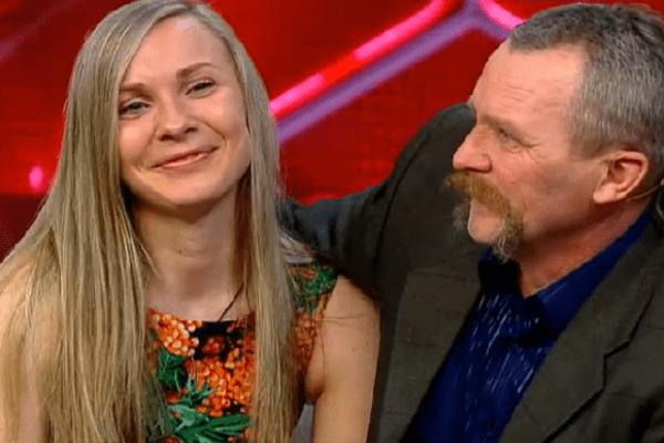 Анастасия увидела отца впервые за 20 лет. Мужчина приехал из Украины поддержать родную дочь