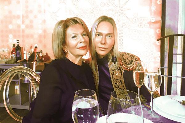 Мама и жена Владимира Соловьева