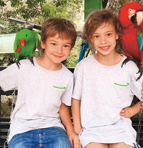 Энджел и Ника любят животных и надеются, что родители подарят им ежика или черепашку