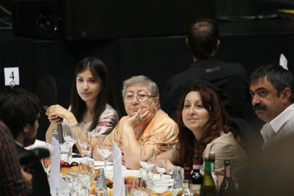 В центре мама Лепса - Натэлла