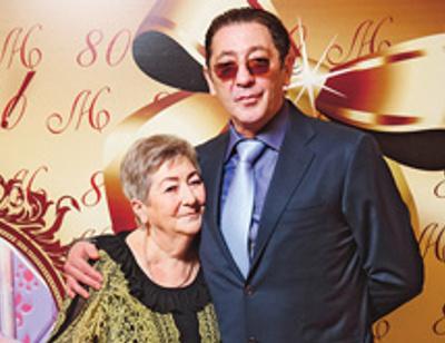 Григорий Лепс устроил маме сюрприз на 80-летие. ФОТО