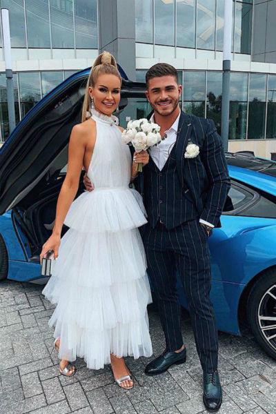 Марина вышла замуж за Романа летом
