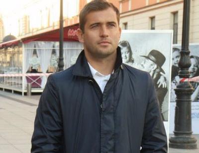Александр Кержаков пытается помочь малышам с синдромом Дауна