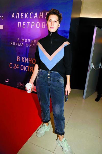 Актриса на премьере фильма «Текст», Москва