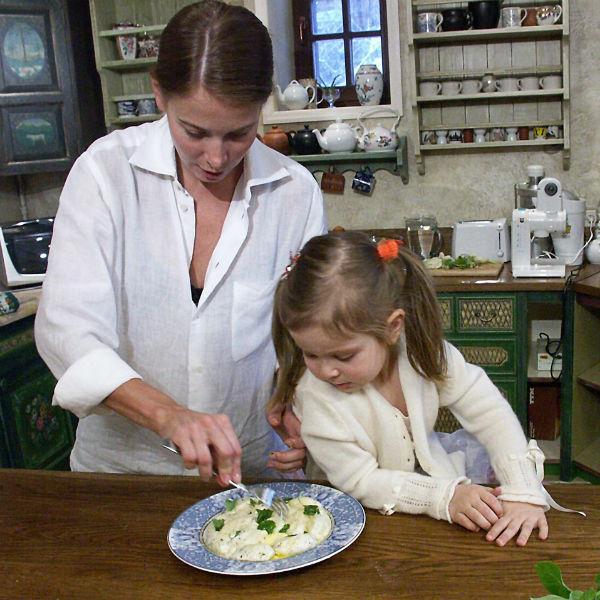 На снимке дочери Юлии Маше всего пять лет