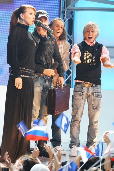 По итогам «Фабрики звезд — 7» Бикбаев занял третье место в составе дуэта «БиС»