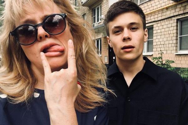 Анна со старшим сыном Андреем