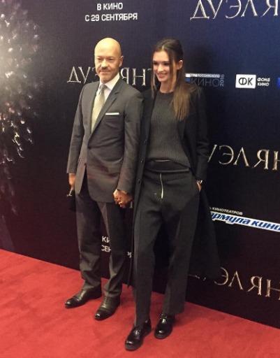 Паулина Андреева и Федор Бондарчук обнимались и держались за руки