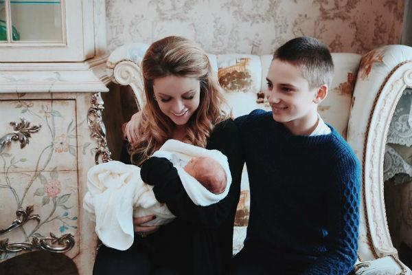 Милана впервые стала мамой в апреле прошлого года
