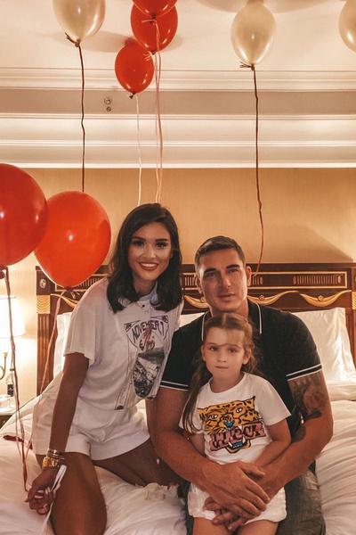 Поклонники надеются, что ради дочери Ксения и Курбан смогут оформить развод без скандалов
