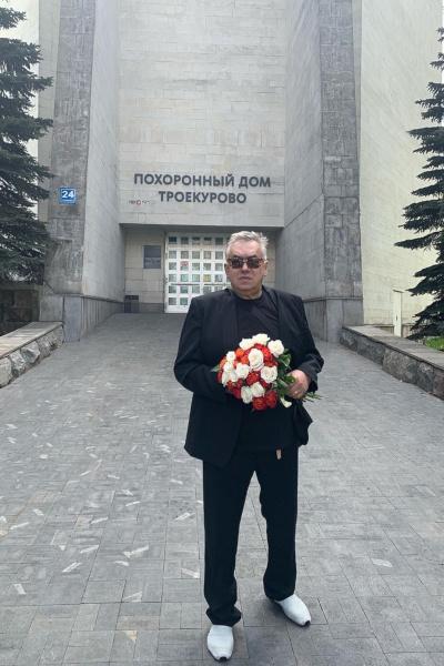 Стас Садальский пришел на похороны Сергея Доренко, но их отменили