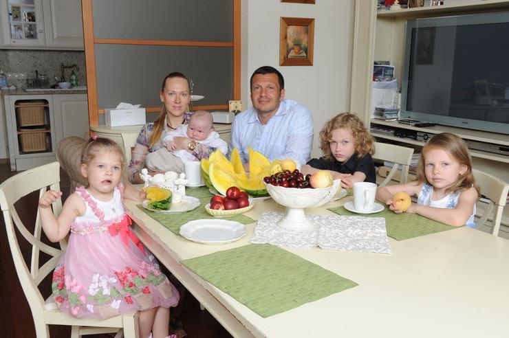 Эльга Сэпп создала крепкую семью с Владимиром Соловьевым