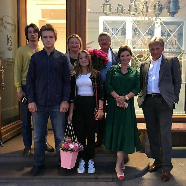 Лиза Пескова: «Мне было абсолютно пофиг, когда папа и мама разводились»